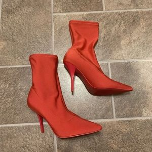Calvin Klein Mada Heavy Lycra Pointed Toe Shooties